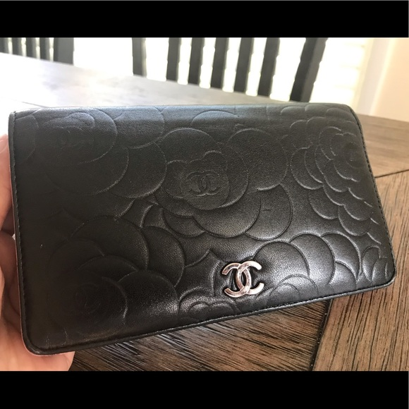 CHANEL Handbags - Authentic Chanel Bi-Fold Lambskin wallet